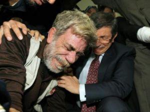 Davutoğlu hüngür hüngür ağladı