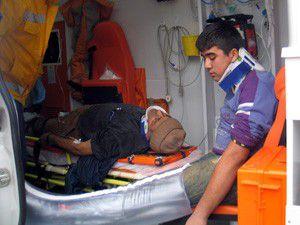 İnşaatın kalıp iskeleleri çöktü! 8 yaralı