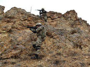 Hakkaride çatışma: 1 asker ağır yaralı
