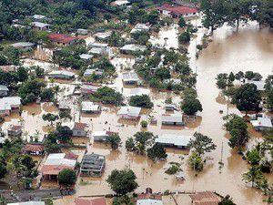 Sel 6 bin 500 kişiyi evsiz bıraktı