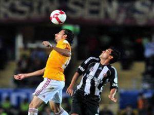 Galatasaray derbiyi de boş geçmedi