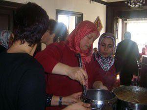 AK Parti Kadın Kollarından aşure programı