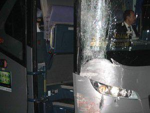 Konyada otobüs ile tramvay çarpıştı: 1 yaralı