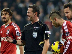 UEFAdan Göçek ve Özkahyaya görev