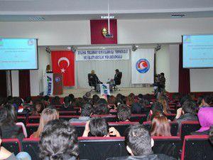 Özgür Akın, Üniversite öğrencileriyle buluştu