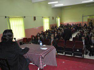 Yazar Murat Koçak,lise öğrencileriyle buluştu