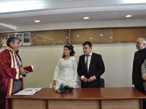Akşehirde 12.12.12de 12 çift dünya evine girdi