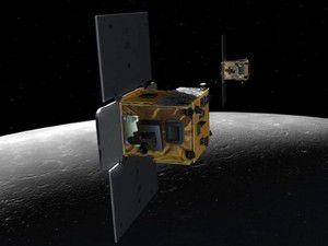 NASAnın 2 uzay aracı Aya çarptı