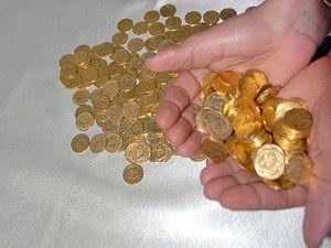 İki el arabası altın madeni para çıktı