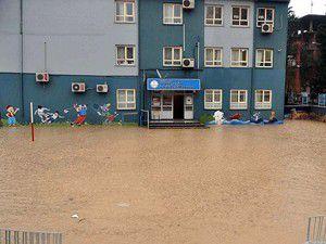 Eğitime yağış engeli