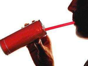 Enerji içecekleri kalp krizini tetikliyor