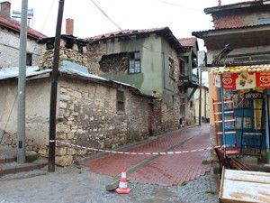 Beyşehirde tescilli yapılar yıkılıyor