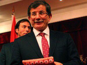 Yörük Türklerinden Davutoğluna hediye