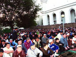 Lenin Meydanında bayram namazı