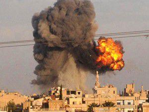 Esed ekmek bekleyenleri bombaladı: 200 ölü