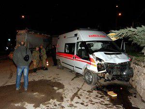Amasyada kaza: 13 asker yaralandı