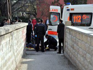 Konyada bir kişi bıçakla ağır yaralandı
