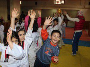 Minikler Taekwondoyu oyunlarla öğreniyor