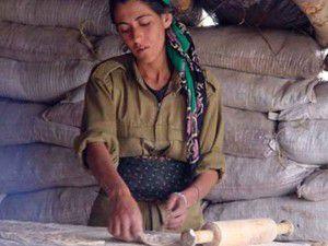 Pariste 3 PKKlı kadın öldürüldü