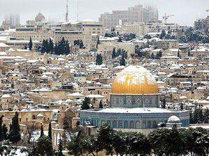 Kudüse yılın ilk karı düştü