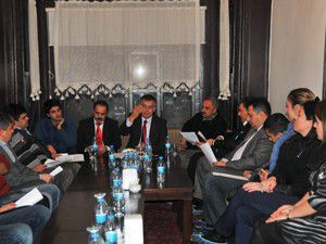 Başkan oğul gazetecilerle yemekte buluştu