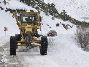 Kar temizleme çalışmaları sürüyor