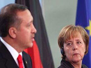Merkelden Erdoğana AB tehdidi