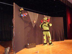 Ereğlide Mikrobistan tiyatrosu sahnelendi