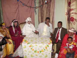 Somalili çift Mehir Vakfının desteğiyle dünya evinde