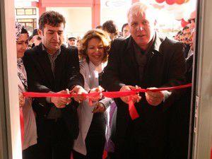 Ulukan Eczanesi yeni yeriyle hizmete açıldı
