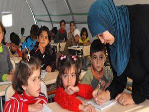 Çadır kentlerde dersler aksamadı