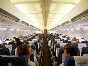 Uçaklarda alkol yasağı tartışılıyor