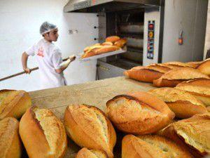 Bir yılda 2,1 milyar ekmek çöpe atılıyor