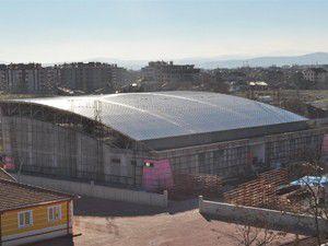 Karatayda spor salonları tamamlanıyor