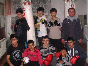 Halk eğitim merkezinde boks kursu açıldı