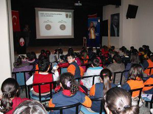Öğrencilere Dengeli Beslenme semineri