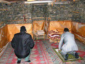Tuz mağarasında ibadet