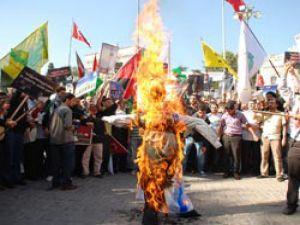 İsrail'e dünya ile eş zamanlı protesto