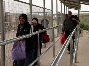 Filistinli işçilere ayrı otobüs uygulaması