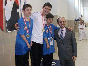 Engelli yüzücüden 3 madalya