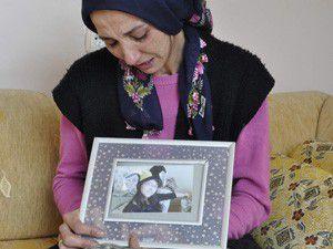 """Kızı öldürülen annenin """"Adaletsizlik"""" feryadı"""