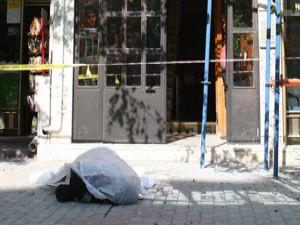 Konyada 8. kattan düşen işçi hayatını kaybetti