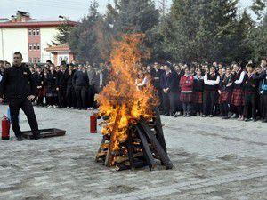 Akşehir Anadolu Lisesinden yangın tatbikatı