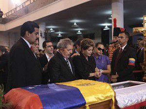 Hugo Chavezin cenazesi törenle toprağa verilecek