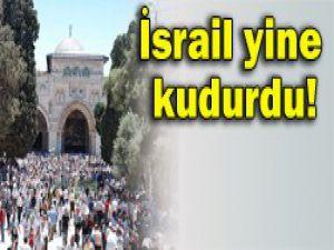 İsrail askerleri Mescid-i Aksayı bastı!