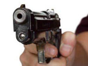 Bankacıyı tabanca ile vurarak öldürdü