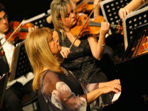 Konyada CSO İdil Biret konseri