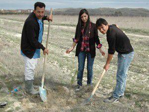 Karapınarda 600 fidan toprakla buluştu