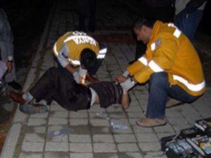 Alkollü gençlerin kavgası hastanede bitti