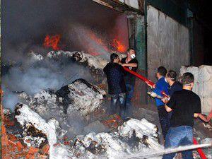 Bozüyükte kağıt fabrikasında yangın